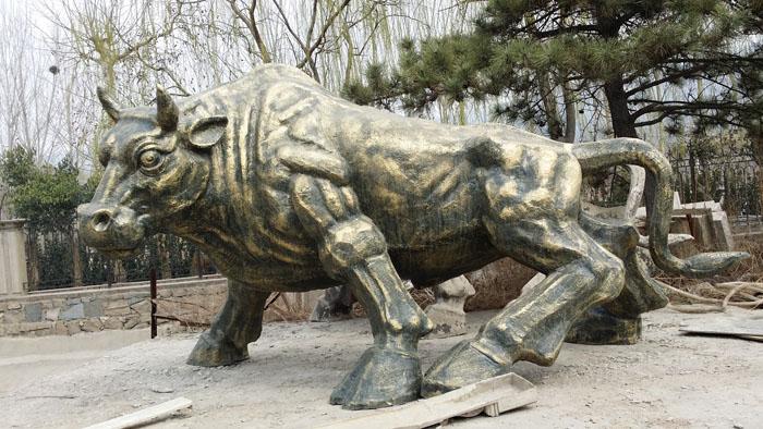 铸铜雕塑生锈应怎样处理?